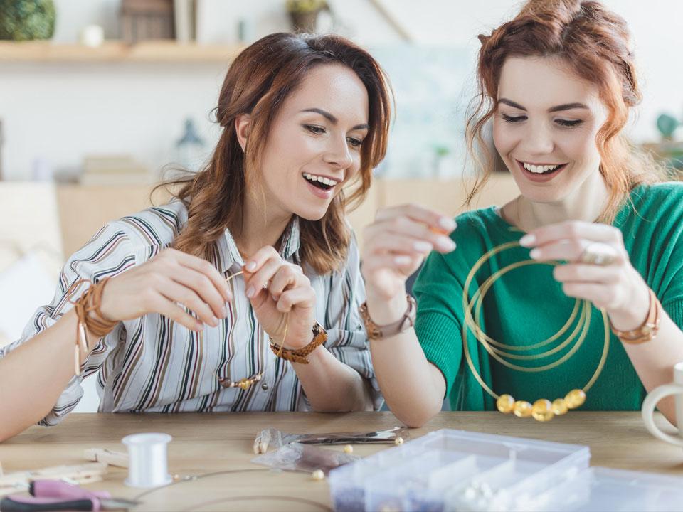 Mode femme : accessoires artisanaux
